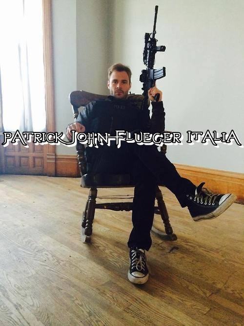 Patrick John Flueger Italia